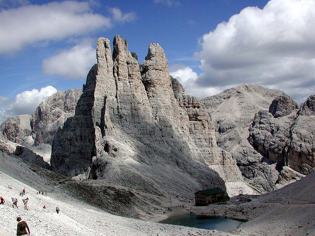 chaîne des Dolomites
