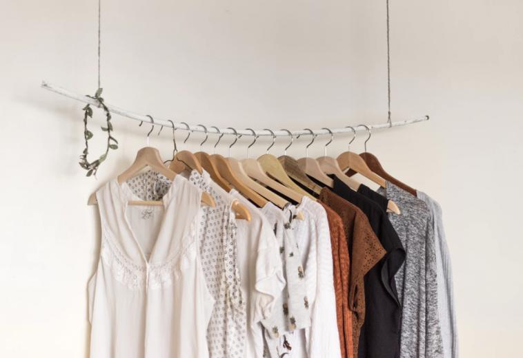 selection vêtements voyage