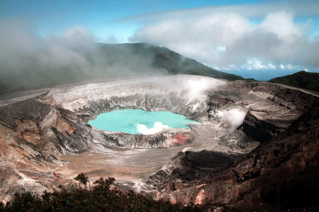 volcan poas costa rica