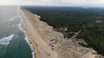Landes France cote littoral plage mer foret surf